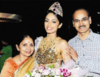 Sobhita Dhulipala With Her Father and Mother