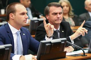 'Pretendo beneficiar filho meu, sim', diz Bolsonaro sobre embaixada nos EUA