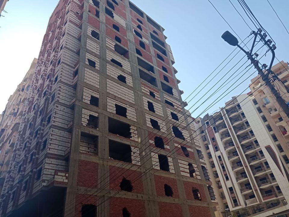بأمر المحافظ..إزالة 13 دورًا مخالفًا ببرج سكني بشرق مدينة كفر الشيخ - (صور) 7