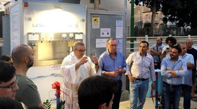 Inaugurata la nuova Casa dell'Acqua: 5 centesimi al litro la naturale, 7 quella frizzante