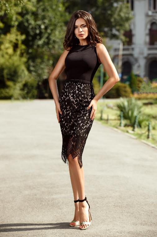 Rochie midi neagra din crepe si dantela de ocazii de vara