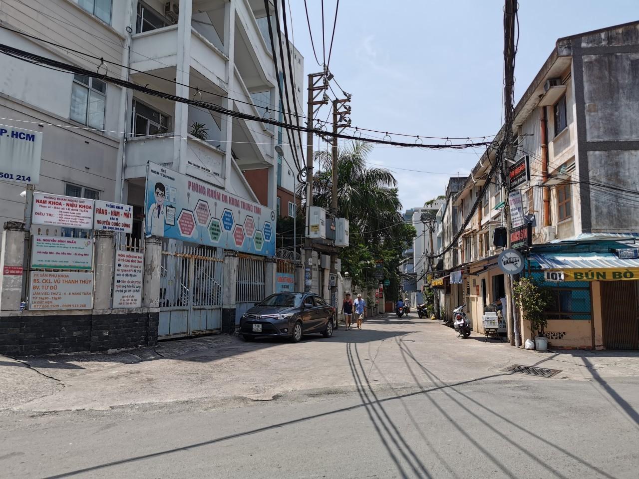 Bán nhà Hẻm xe hơi đường Phan Đăng Lưu quận Phú Nhận giá rẻ, chỉ 2 tỷ 500