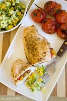 (Piersi z kurczaka faszerowane papryką i kabanosem