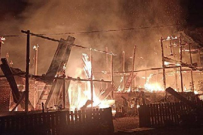 Dua Rumah dan 3 Motor Ludes dalam Peristiwa Kebakaran di Tellu Siattinge Bone