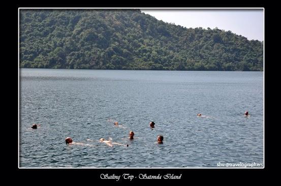 sailing trip, living on board, live aboard, lombok, sumbawa, dompu, komodo, flores, labuan bajo