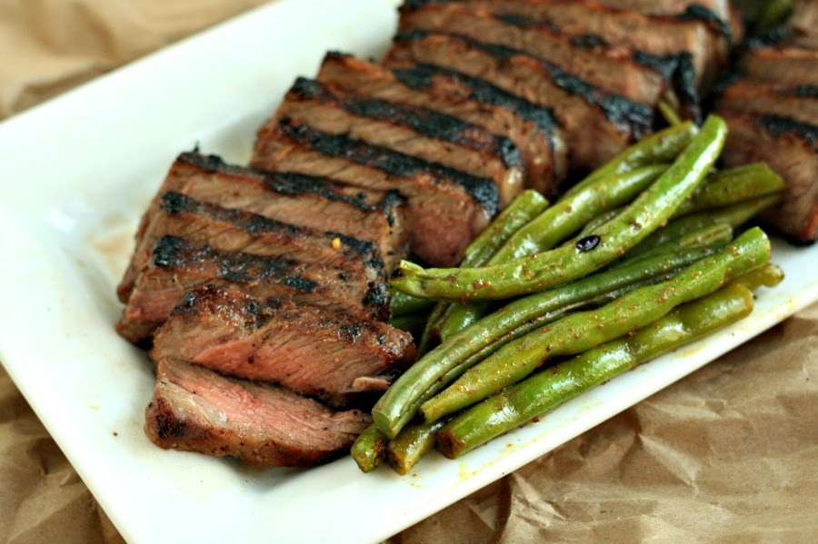 WHISKEY BROWN SUGAR GRILLED STEAK #healthydinner #steak #whiskey #food #recipes