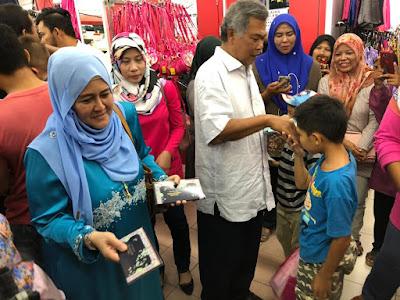 Alhamdulillah... kita bantu sekadar termampu, sumbangan pakaian hari raya kepada anak-anak asnaf