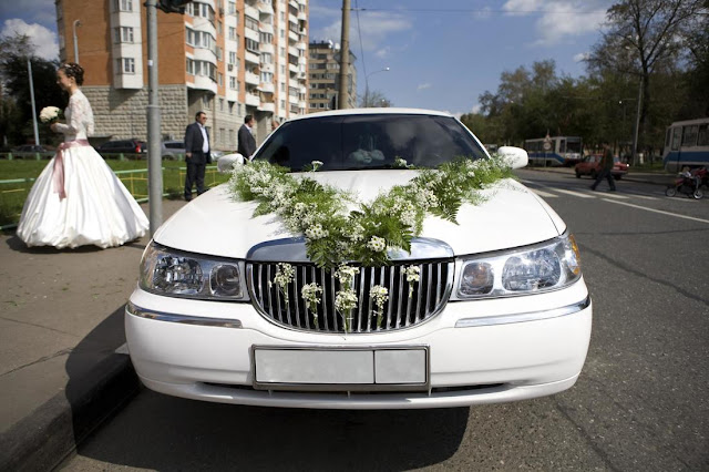 8 Ways Hiring A Limo Make Your Wedding Day More Special