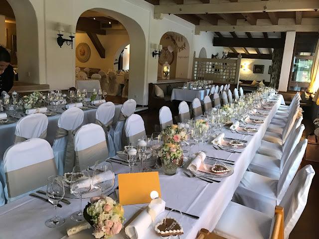 Hochzeitsdinner m Seehaus, London meets Garmisch-Partenkirchen, Sommerhochzeit im Vintage-Look in Bayern mit internationalen Hochzeitsgästen, Riessersee Hotel, Hochzeitsplanerin Uschi Glas