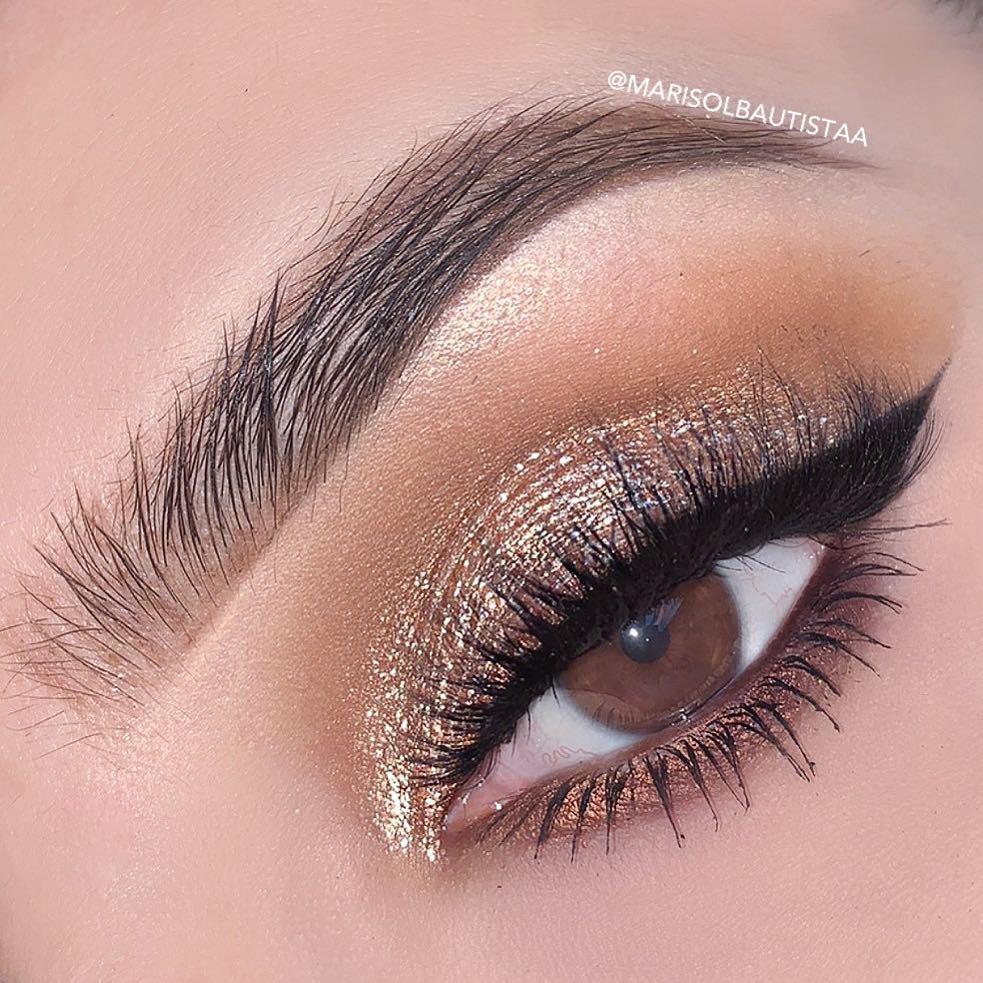 Maquiagem glitter dourado