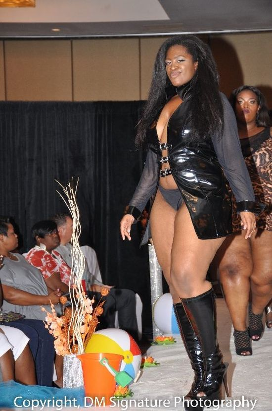 Jamila Patterson at the LS1426 fashion Show June 2015, curvy fashion model,curves