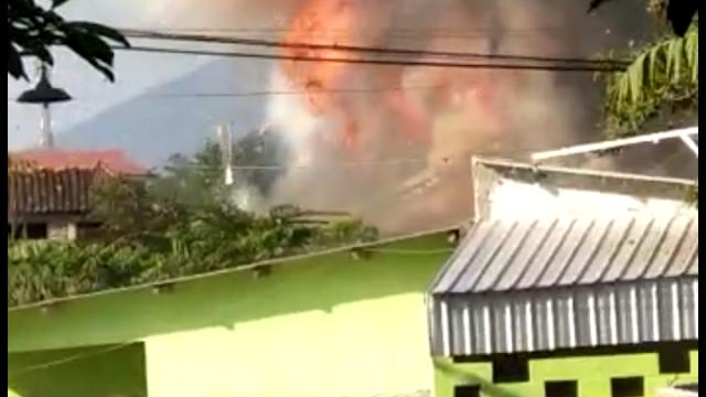 Diduga Gudang Amunisi Mako Brimob Semarang Terbakar