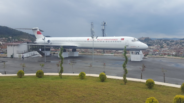 Boeing 717 Millet Kıraathanesi (Uçak Cafe)