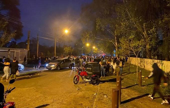 """AIFU fecha cinco estabelecimentos e dispersa 700 pessoas que estavam na """"balada"""" em Curitiba"""