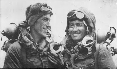 100 Tahun Rintisan Everest
