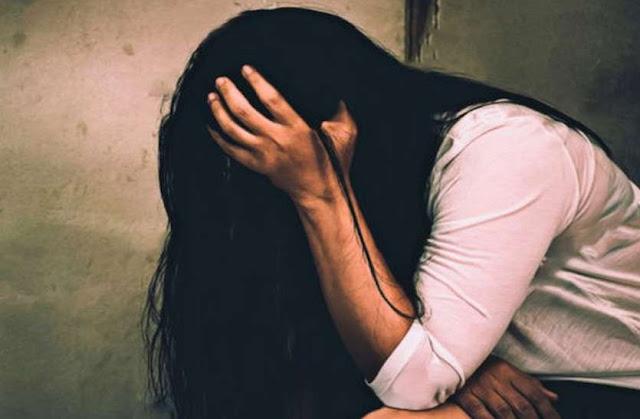 दो युवकों ने किया नाबालिग छात्रा से बलात्कार  - newsonfloor.com