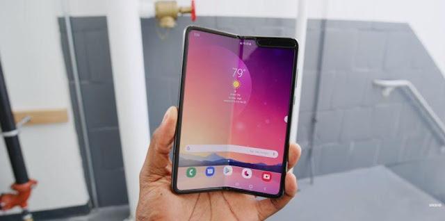 Samsung Galaxy Fold 2 - Lebih murah dan lebih bagus?