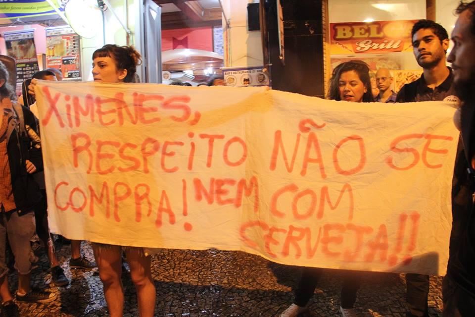Teve beijaço no Rio de Janeiro para combater a lesbofobia no Ximenes