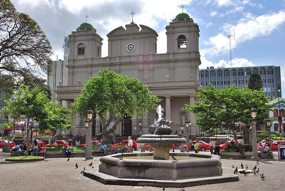 Seguimos en los parques y calles de cali colombia - 1 part 4
