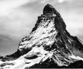Poem on Mountain in Hindi