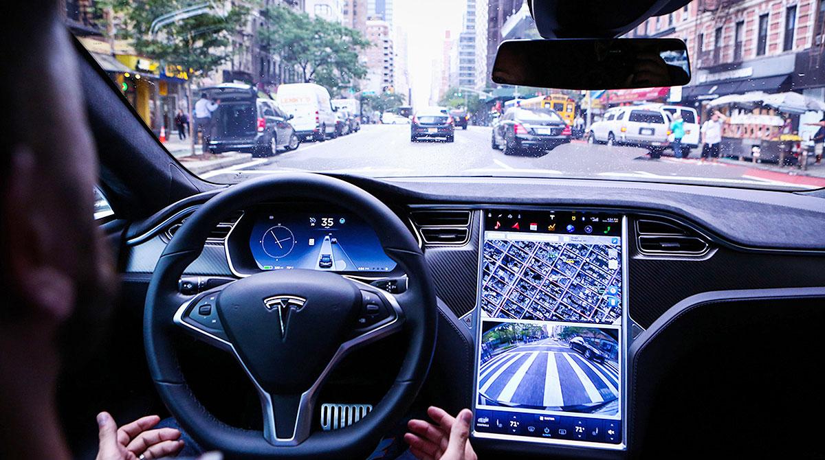 Texas Police Invest Tesla Autopilot Crash