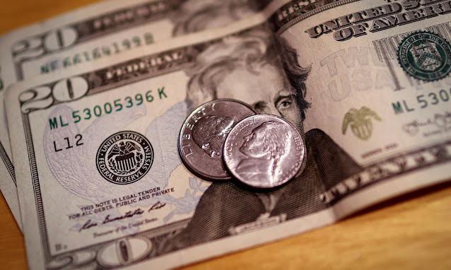Dólar cai para R$ 5,58 e bolsa dispara após anúncio do Fed