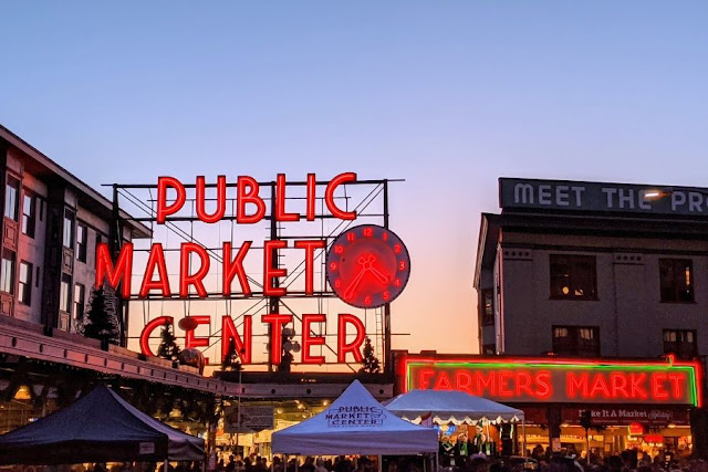 Seattle in a day: Pike Place Market at Sunset