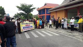 Warga Protes ke Bupati Aunur Rafiq, Ada Syiah di Karimun