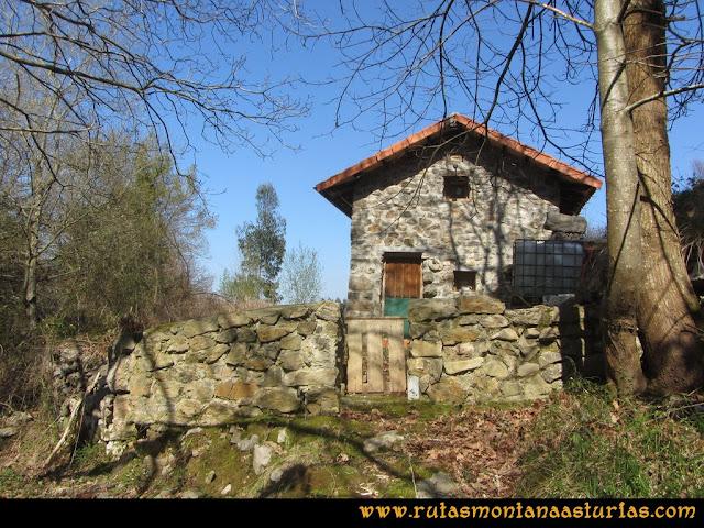 Ruta Ardisana, pico Hibeo: Cabaña cerca de Ardisana