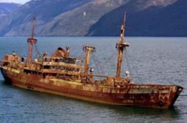 سفينة (إس إس كود تو باك سي ) الذي فقدت منذ تسعون عام تعود لظهور من جديد بعد اختفائها لـ 90 عاما في مثلث برمودا