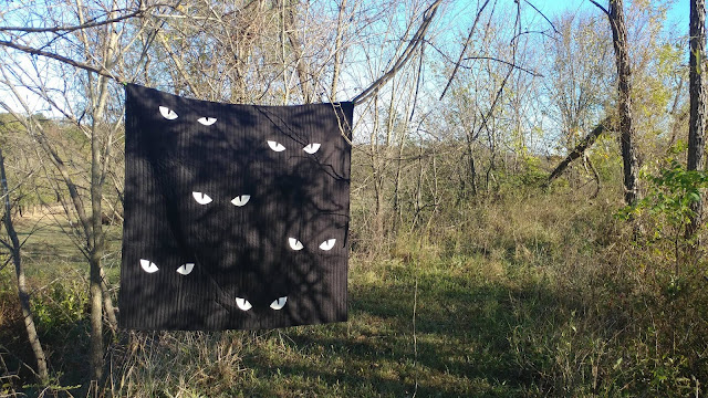 Glow in the dark spooky eyes quilt tutorial