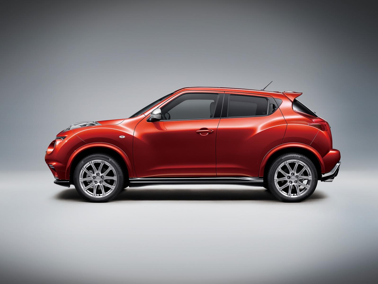 New Infiniti ESQ is a Posh-Badged Nissan Juke NISMO RS for ...