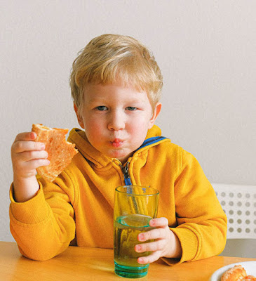 How to Get Your Picky Montessori preschooler to Eat