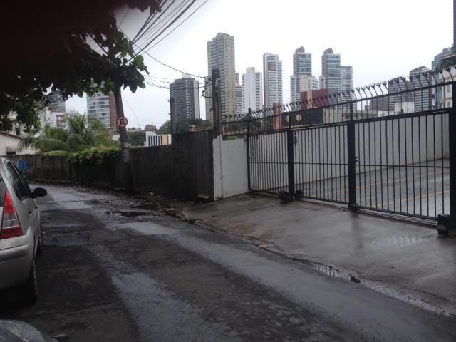 Moradores reclamam da operação tapa buraco na Rua Belmonte