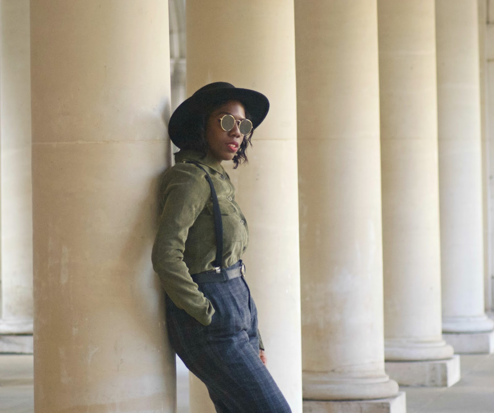 Blogger, Fashion Blogger, Zara plaid trousers, braces, suspenders, corduroy shirt, oversized woman shirt, boohoo oversized shirt, black fedora, asos aviators, temple church area,temple, uk blogger, new look black ankle boots, london style, classic styling