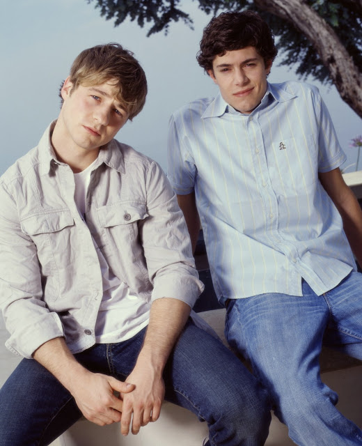 benjamin mckenzie and adam brody pose for promo O.C photo