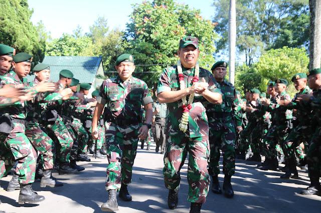 Kunjungi Salatiga, Waasops Panglima TNI Periksa Kesiapan Satgas Yonif MR 411 Kostrad