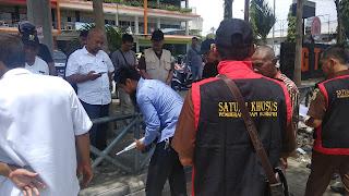 Kejari Kota Cirebon Tes Hammer Di Jalan Cipto, Duga Ada Penyelewengan