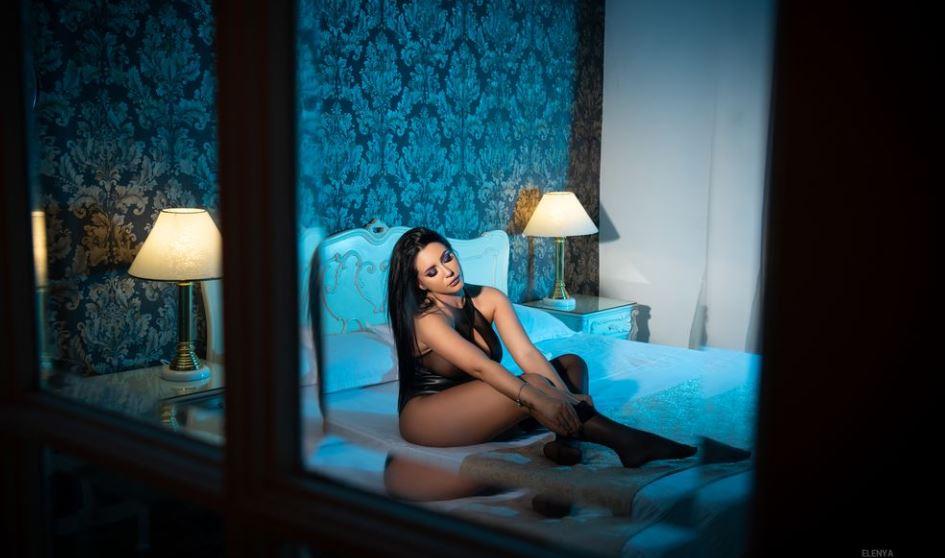 Elenya Model GlamourCams