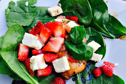 21 DAY FIX SPINACH AND STRAWBERRY CAPRESE SALAD
