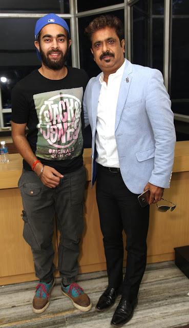 Actor Manjot Singh with Dharmendra Kumar