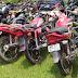 जुए के अड्डे से पुलिस ने पांच व्यक्ति को पकड़ा, 7 बाइक की जप्त।