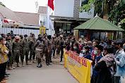 Demo Depan Rujab Plt Gubernur Sulsel, OPM Desak Kadis Pendidikan Dicopot