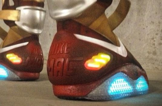 new style 2c267 79d93 Here is images of a crazy pair of Custom Nike Air Mag