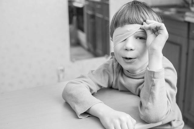 Como a criança desenvolve senso de justiça moral e recusa tirar vantagem