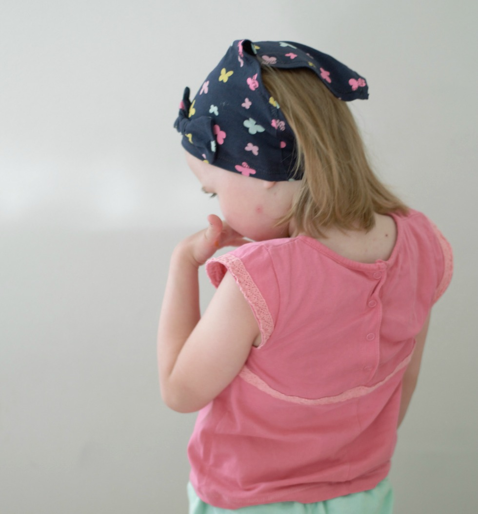 päähuivin ompelu lapselle