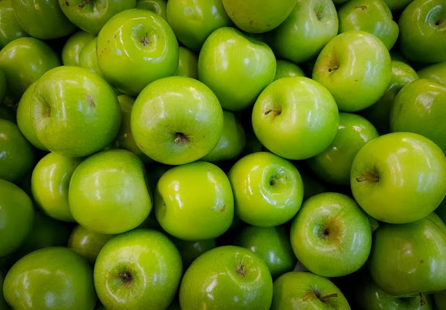 Green Apple Versus Red Apple; Which One Should You Eat