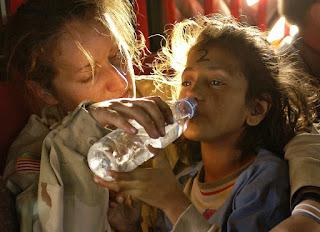 Kurang Minum Air Putih Bisa Menyebabkan Perut Buncit