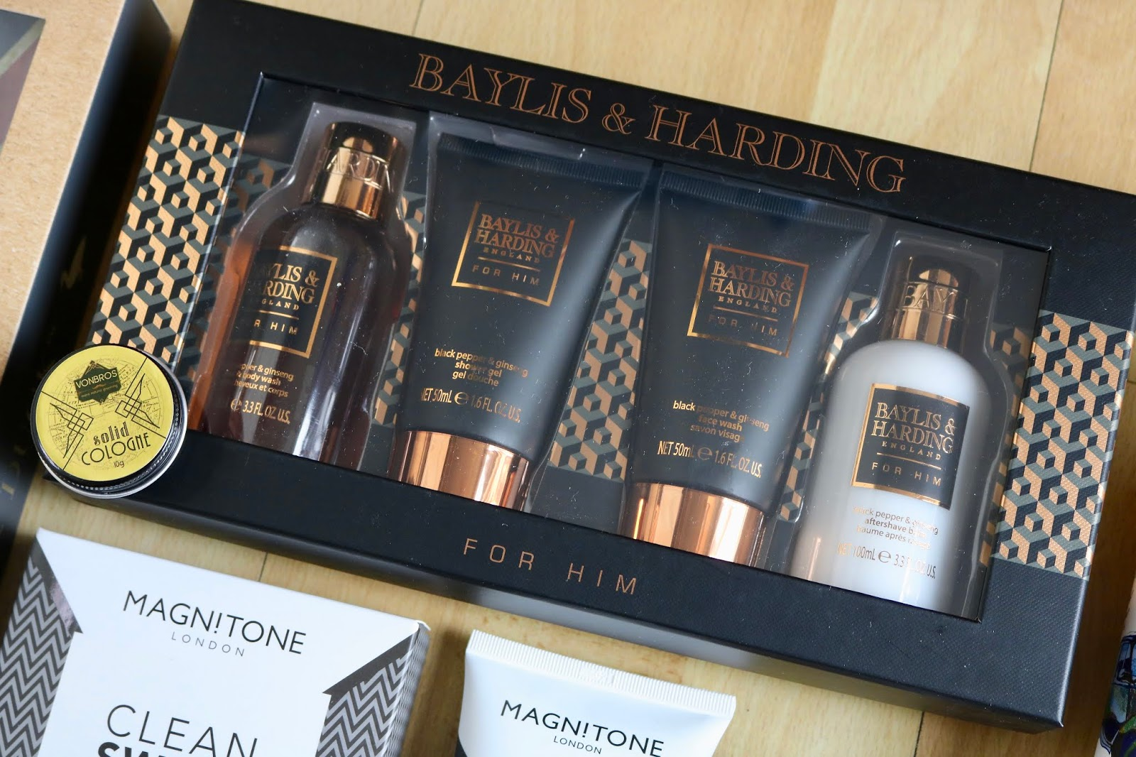 BAYLIS & HARDING BLACK PEPPER AND GINSENG TRAVEL ESSENTIALS SET