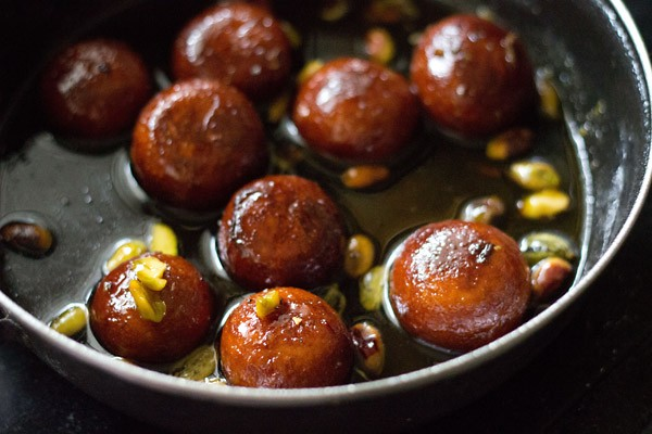 easy-recipe-indias-gulab-jamun
